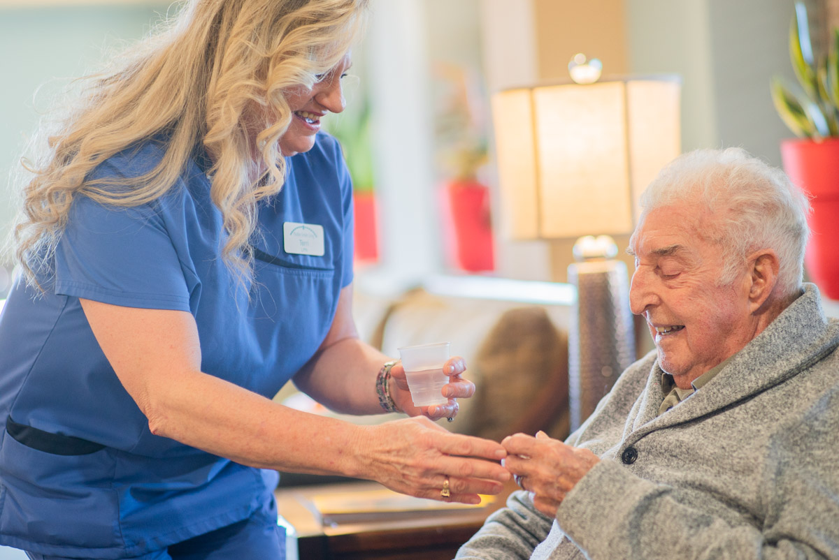 What's the Difference Between Skilled Nursing Homes & Assisted Living?