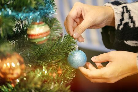 Honoring Holiday Traditions in an Assisted Senior Living Community